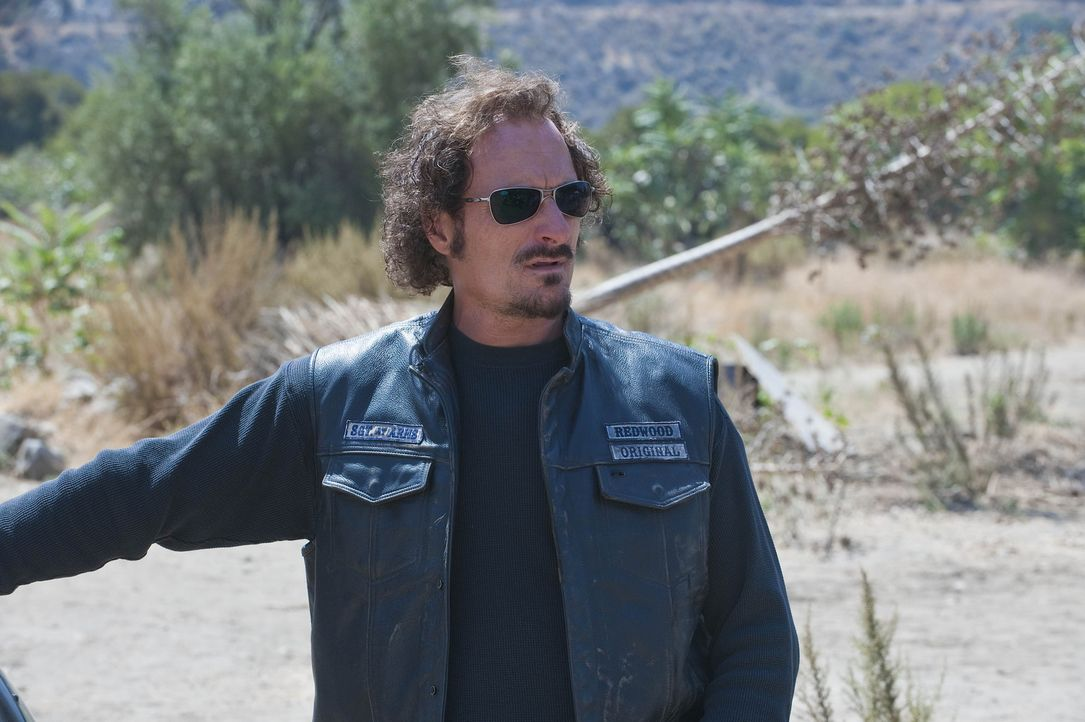 In einem Indianerreservat gelingt es den Sons, Munition zu rekrutieren und als Zugabe werden psychedelische Pilze angeboten, die Tig (Kim Coates) gl... - Bildquelle: 2009 Twentieth Century Fox Film Corporation and Bluebush Productions, LLC. All rights reserved.