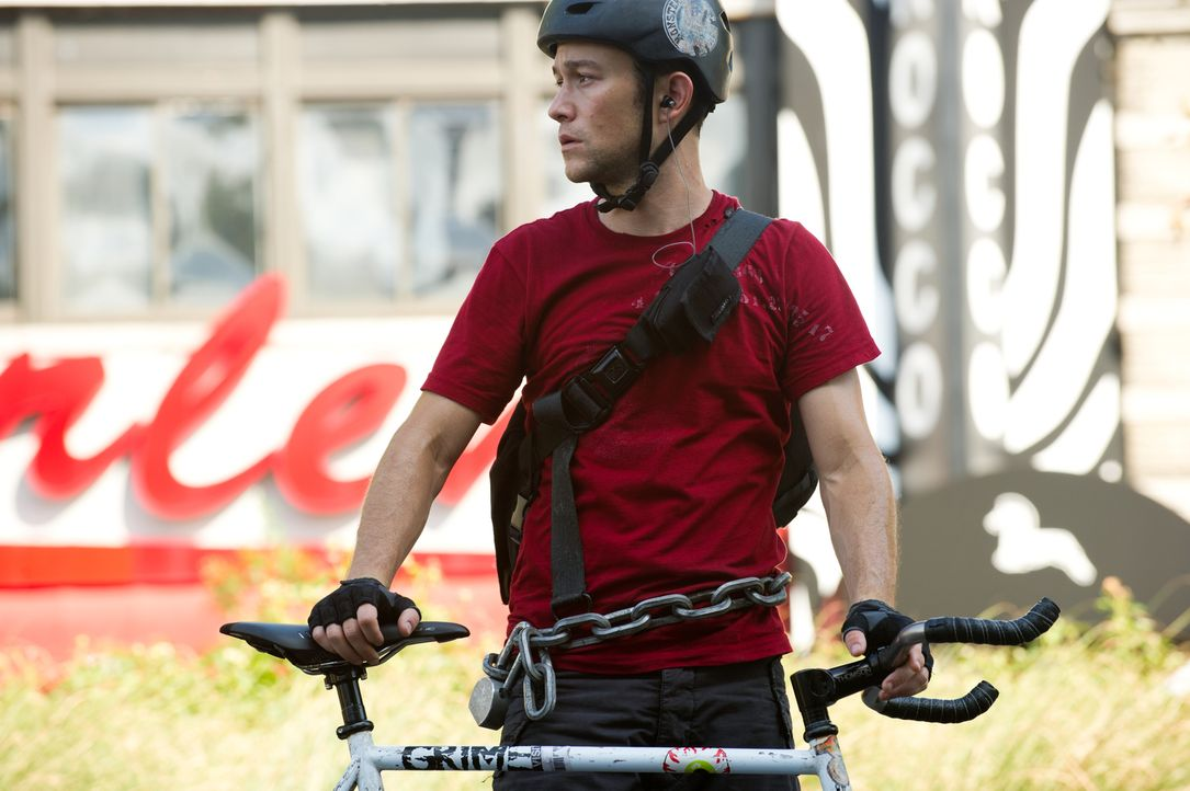 "Wilee (Joseph Gordon-Levitt) ist der beste und flinkste Fahrradkurier von New York. Eines Tages erhält er einen ""Premium Rush""-Auftrag, der ihn um s... - Bildquelle: 2012 Columbia TriStar Marketing Group, Inc.  All rights reserved."