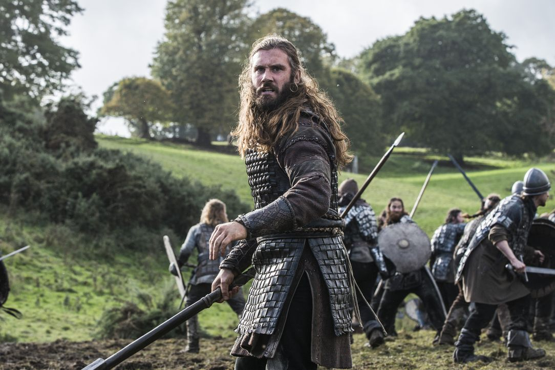 Mutig zieht er gegen König Ecberts in die Schlacht: Rollo (Clive Standen) ... - Bildquelle: 2014 TM TELEVISION PRODUCTIONS LIMITED/T5 VIKINGS PRODUCTIONS INC. ALL RIGHTS RESERVED.