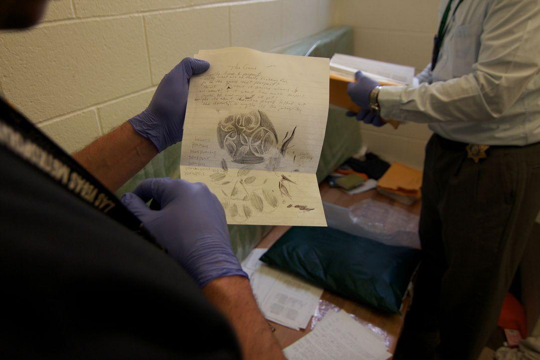 Die Post der Häftlinge wird gründlich von den Wärtern geprüft, bevor sie an die Insassen weitergegeben wird ... - Bildquelle: James Peterson National Geographic Channels/ Part2 Pictures
