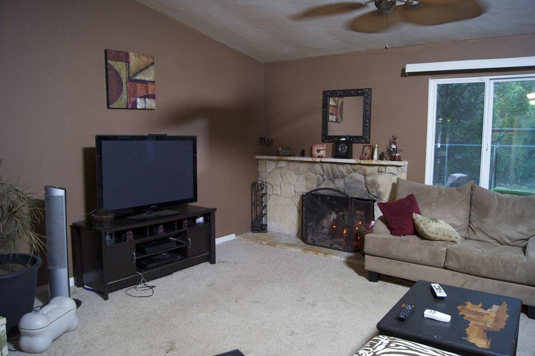 Ein nicht sonderlich reizvolles Wohnzimmer möchte Josh Temple umwandeln ... - Bildquelle: 2009, DIY Network/Scripps Networks, LLC
