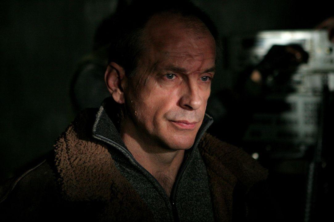 Ein Delta-Team soll aus Afghanistan den abtrünnigen Wissenschaftler Dr. Benton Walsh (Tomas Arana) entführen. Dieser wird jedoch von tschetschenisch... - Bildquelle: CPT Holdings, Inc. All Rights Reserved. (Sony Pictures Television International)