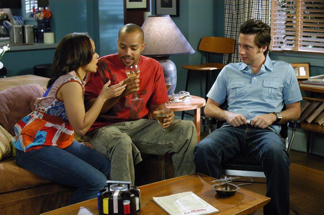 Was wird Carla (Judy Reyes, l.) nur sagen, wenn sie erfährt, dass Turk (Donald Faison, M.) und J.D. (Zach Braff, r.) über ihre Schwangerschaft Besch... - Bildquelle: Touchstone Television