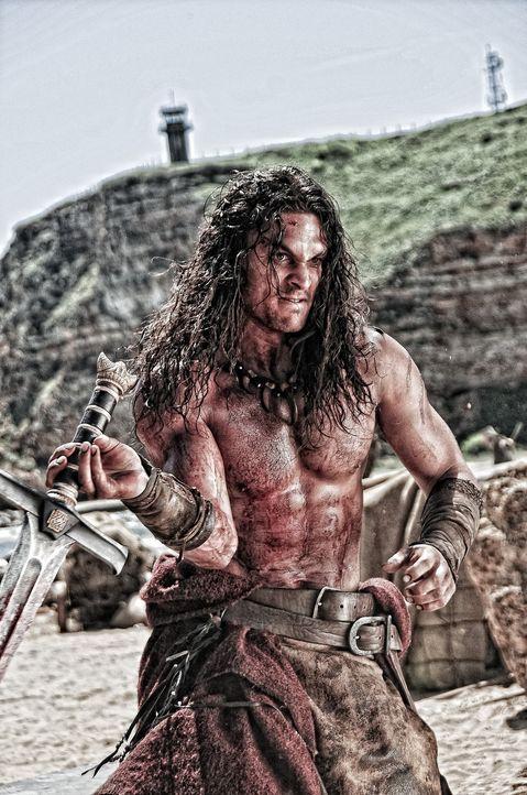 Begibt sich auf einen brutalen Rachefeldzug, um Warlord Khalar Zym, den Verantwortlichen für den Angriff und den Tod seines Vaters, zu töten: Conan... - Bildquelle: Nu Image Films