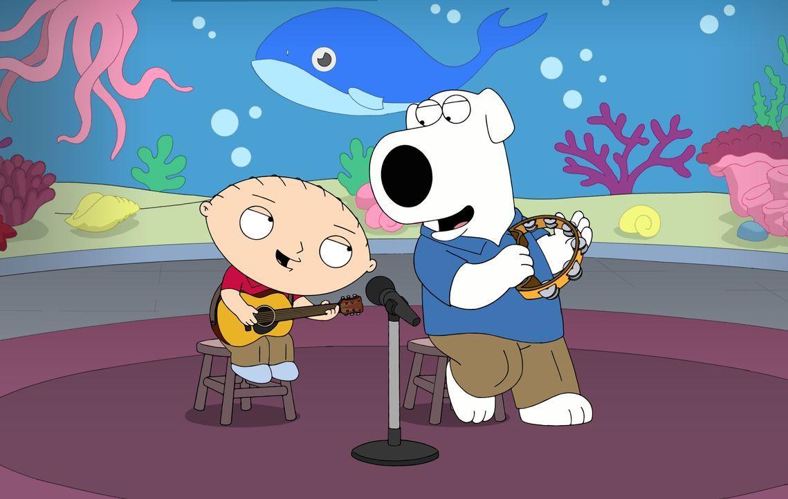 Brian (r.) und Stewie (l.) werden zu einem erfolgreichen Singer-Songwriter-Duo, weil es ihrer Meinung nach keine Kinderlieder gibt, die die Wahrheit... - Bildquelle: 2016-2017 Fox and its related entities. All rights reserved.