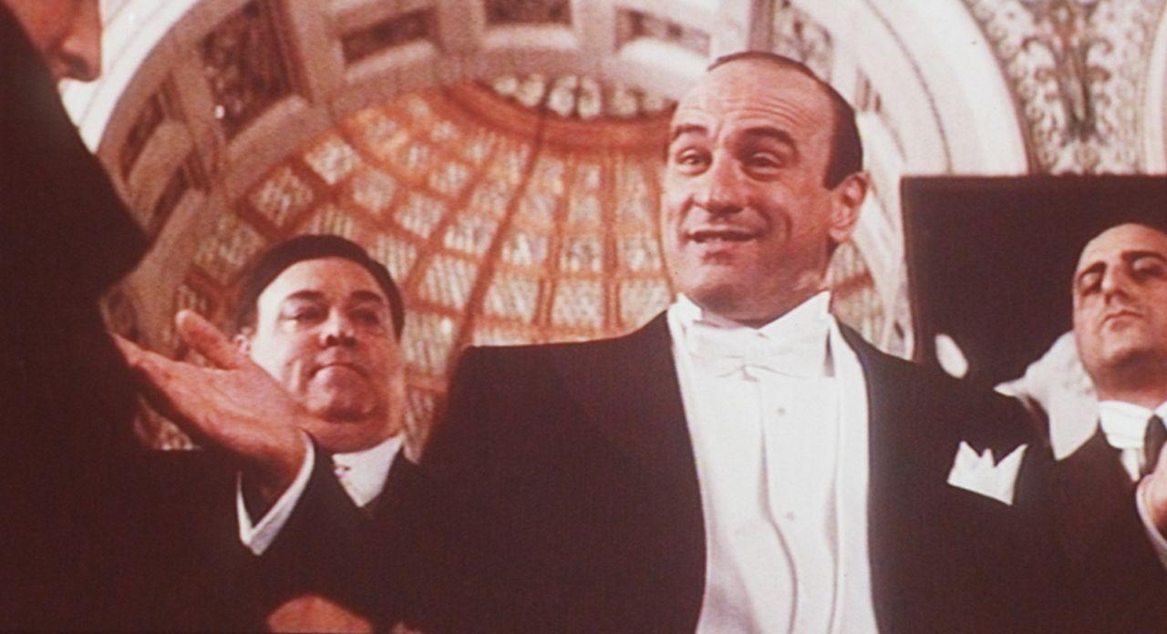 Der skrupellose Gangsterboss Al Capone (Robert De Niro, 2.v.r.) hält ganz Chicago auf Trab ... - Bildquelle: Paramount Pictures