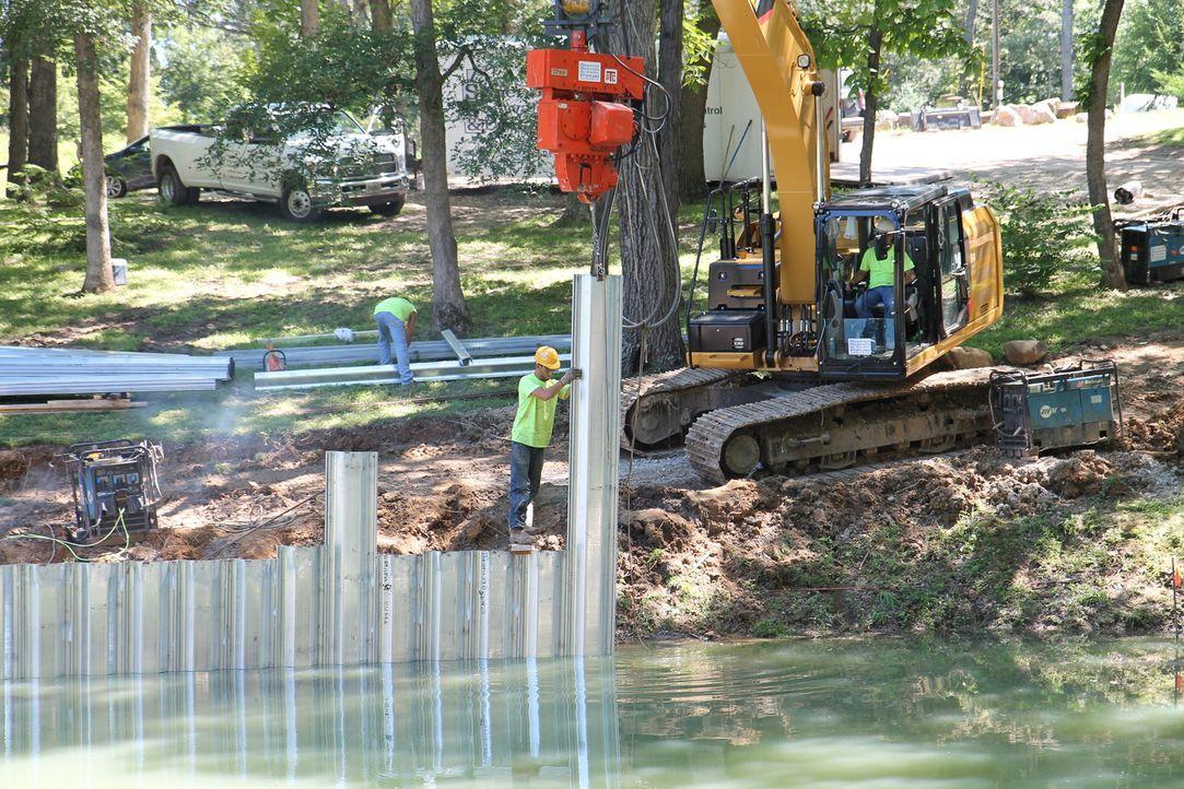 Das riesige Grundstück von Teresa und Wendell soll mit Hilfe der Familie Herrmann umgebaut werden, um den Aufenthalt für Familie und Freunde zukünft... - Bildquelle: 2016,DIY Network/Scripps Networks, LLC. All Rights Reserved.