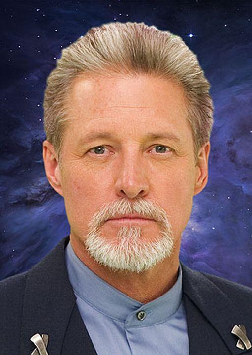 Als der Jahrestag der Interstellaren Allianz begangen wird, kehrt John Sheridan (Bruce Boxleitner) auf die Raumstation Babylon 5 zurück - seit zehn... - Bildquelle: Warner Bros.
