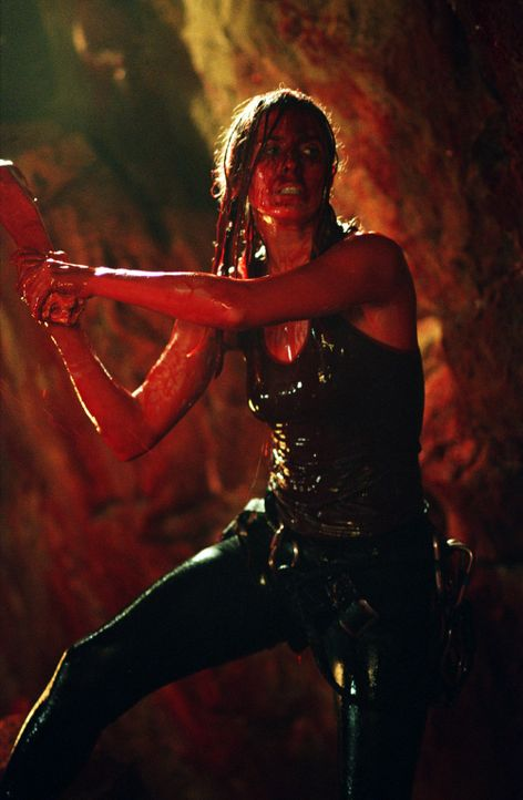 Nach einem Erdrutsch werden Sarah (Shauna MacDonald) und ihre Freundinnen in einer Höhle eingeschlossen und von einer unbekannten, blutdurstigen Spe... - Bildquelle: Square One Entertainment