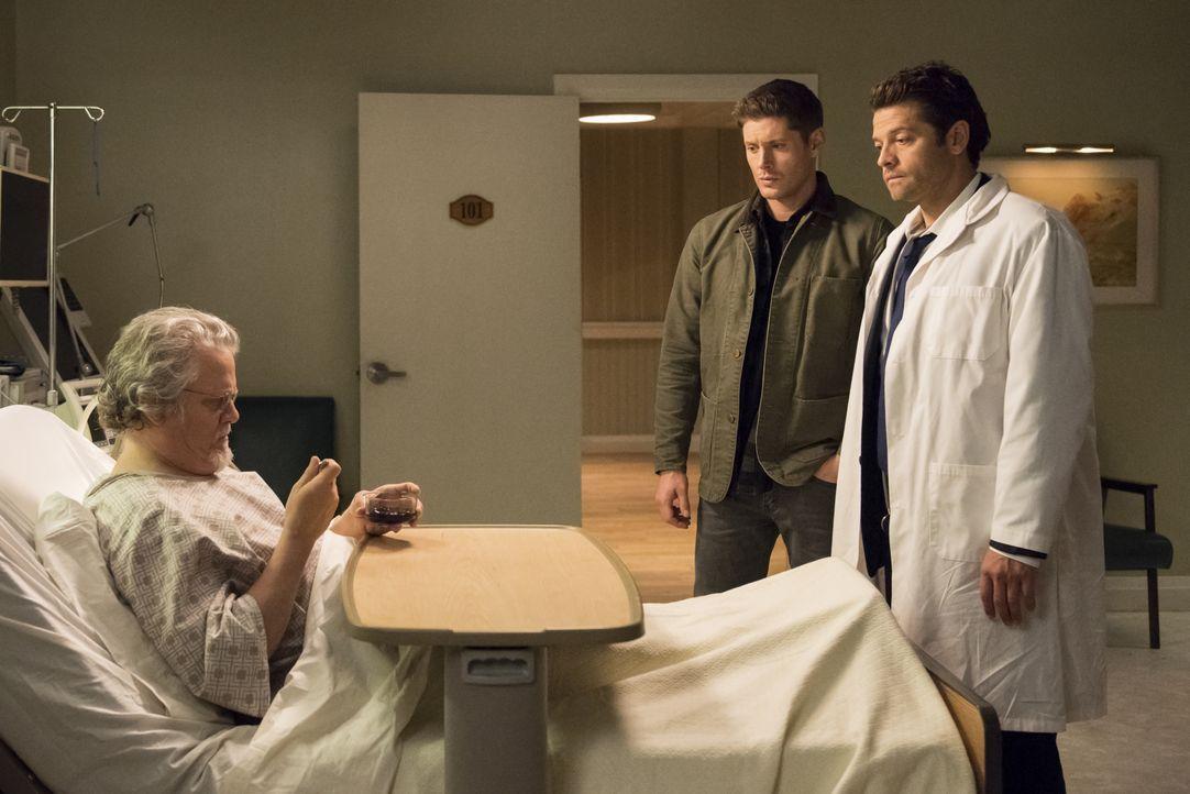 Dean Winchester (Jensen Ackles, m.); Castiel (Misha Collins, r.) - Bildquelle: Dean Buscher 2018 The CW Network, LLC All Rights Reserved / Dean Buscher