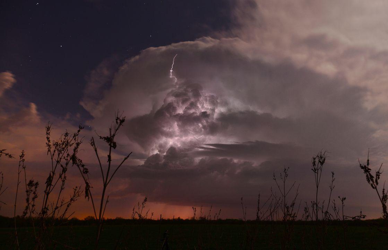 Anfang April, die Sturmsaison beginnt. Auf die drei Tornado Hunter wartet die Arbeit ...