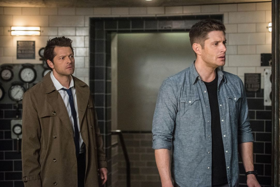 Castiel (Misha Collins, l.); Dean (Jensen Ackles, r.) - Bildquelle: Dean Buscher 2018 The CW Network, LLC. All Rights Reserved / Dean Buscher