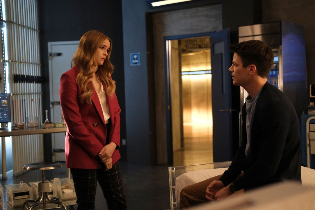 Caitlin Snow (Danielle Panabaker, l.); Barry Allen (Grant Gustin, r.) - Bildquelle: Warner Bros. Entertainment Inc. All Rights Reserved.
