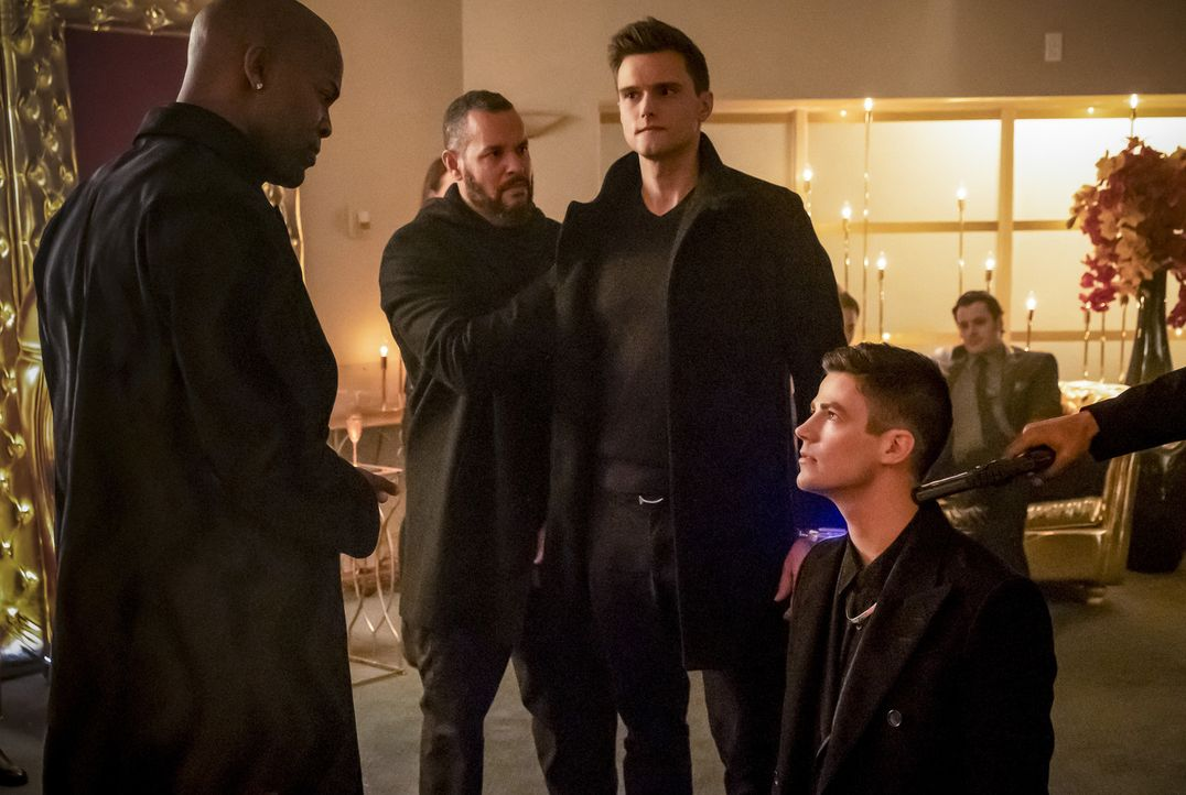 Goldface (Damion Poitier, l.); Ralph (Hartley Sawyer, 2.v.r.); Barry (Grant Gustin, r.) - Bildquelle: Katie Yu 2018 The CW Network, LLC. All rights reserved.