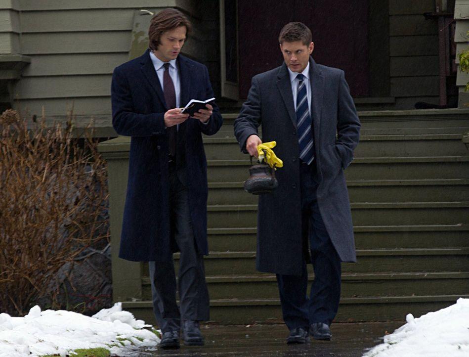 Im Kampf gegen das Böse: Sam (Jared Padalecki, l.) und Dean (Jensen Ackles, r.) ... - Bildquelle: Warner Bros. Television