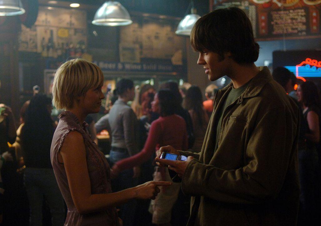 Was hat Meg (Nicki Aycox, l.) vor? Sam (Jared Padalecki, r.) und Dean gehen dem nach ... - Bildquelle: Warner Bros. Television
