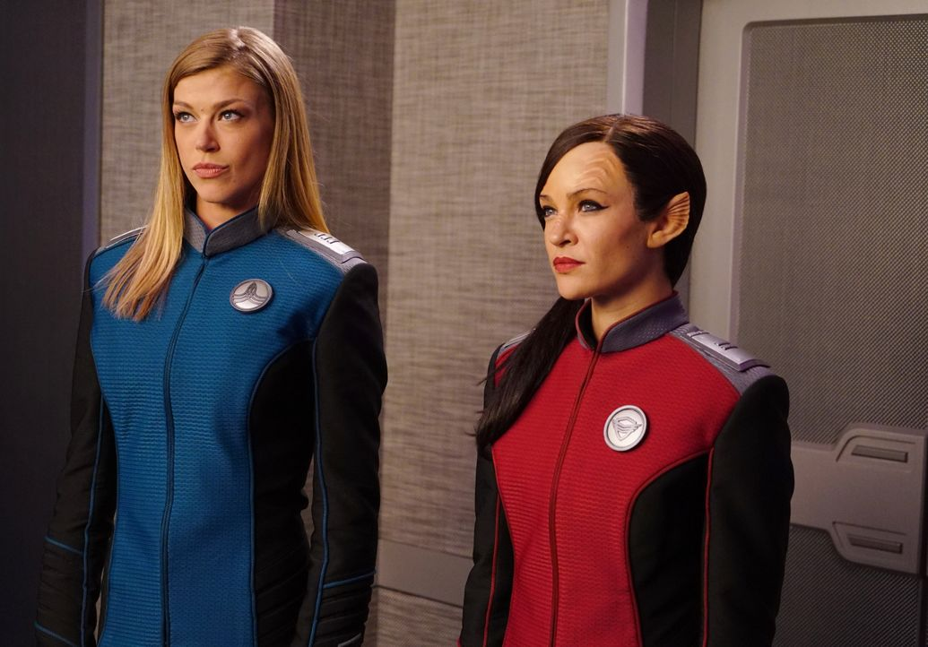 Commander Kelly Grayson (Adrianne Palicki, l.); Lieutenant Talla Keyali (Jessica Szohr, r.) - Bildquelle: Michael Becker 2019 Twentieth Century Fox Film Corporation. All rights reserved. / Michael Becker