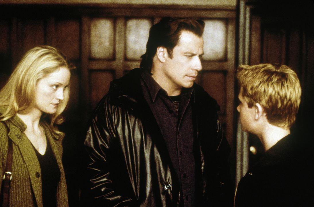 Frank Morrison (John Travolta, M.) hat nach der Scheidung von Susan (Teri Polo, l.) keine Familie mehr, denn seine Ex-Frau und der gemeinsame Sohn D... - Bildquelle: Paramount Pictures