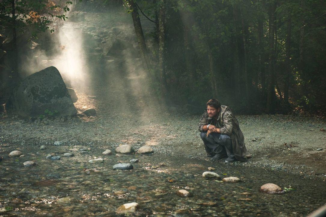 Castiel (Misha Collins) weiß, dass sein bester Freund ihn nicht im Stich lassen würde und muss sich darum einen anderen Weg suchen ... - Bildquelle: Warner Bros. Television