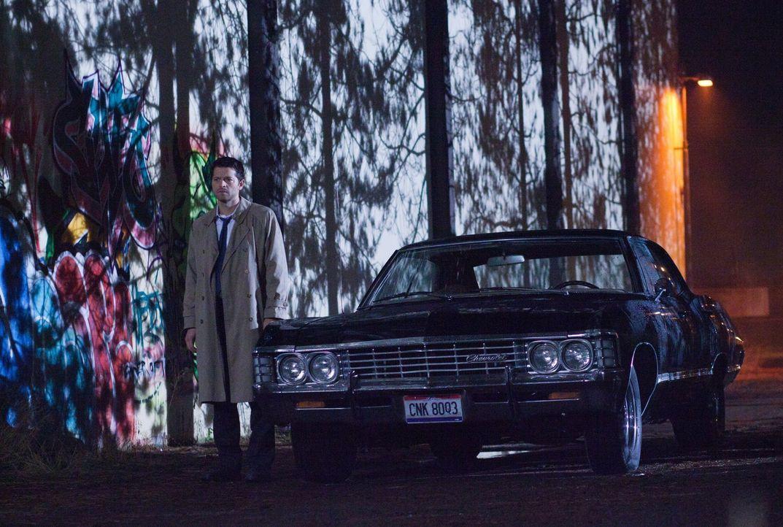 Cas (Misha Collins) bekommt von Naomi einen Auftrag, der ihn und die Winchesters in die Höhle des Löwen bringt ... - Bildquelle: Warner Bros. Television