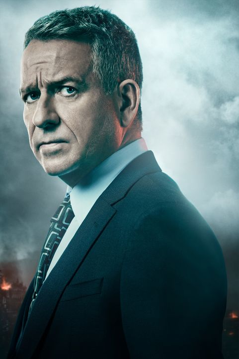 (5. Staffel) - Alfred Pennyworth (Sean Pertwee) - Bildquelle: 2018 Warner Bros. Entertainment Inc.  All Rights Reserved.