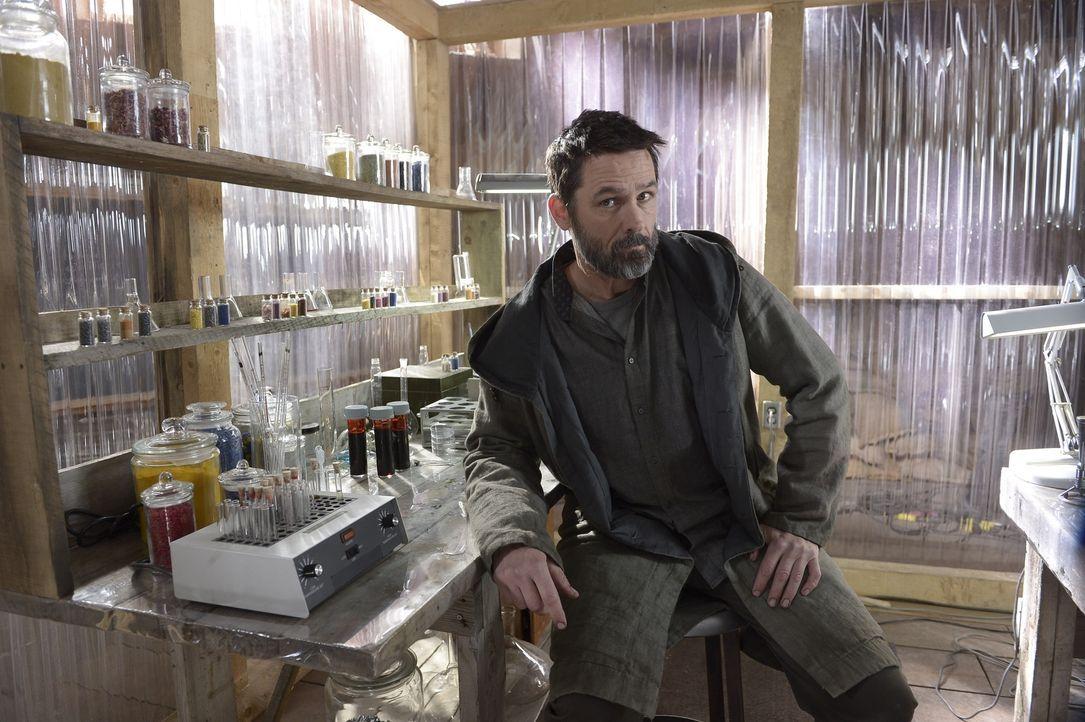 Als Julia Alan (Billy Campbell) in ihre Pläne und die von Alaria einweiht, ist er geschockt. Wird er ihr helfen oder sich gegen sie stellen? - Bildquelle: Philippe Bosse 2014 Syfy Media, LLC