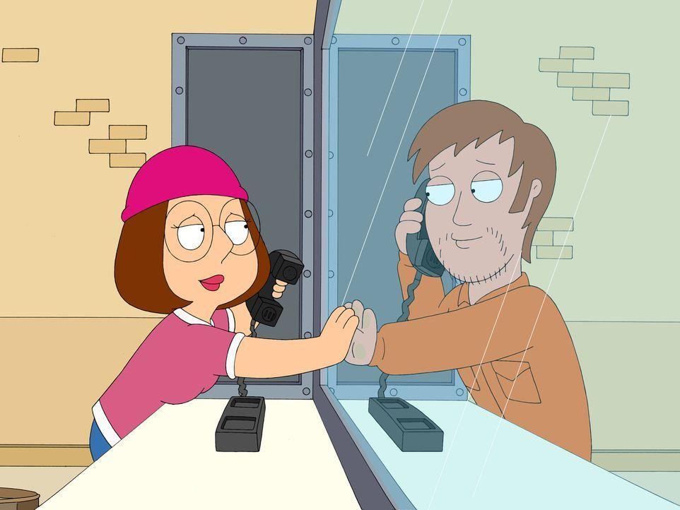 Meg (l.) begibt sich heimlich ins Gefängnis, um dort einen Häftling (r.) zu besuchen, mit dem sie offensichtlich ein Liebesverhältnis hat. - Bildquelle: 2007-2008 Twentieth Century Fox Film Corporation. All rights reserved.