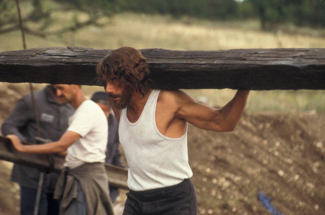 In der Hölle: Weil der Amerikaner Kyle LeBlanc (Jean-Claude Van Damme) den Mörder seiner Frau kurz nach dessen Freispruch mit einer gestohlenen Poli... - Bildquelle: NU IMAGE