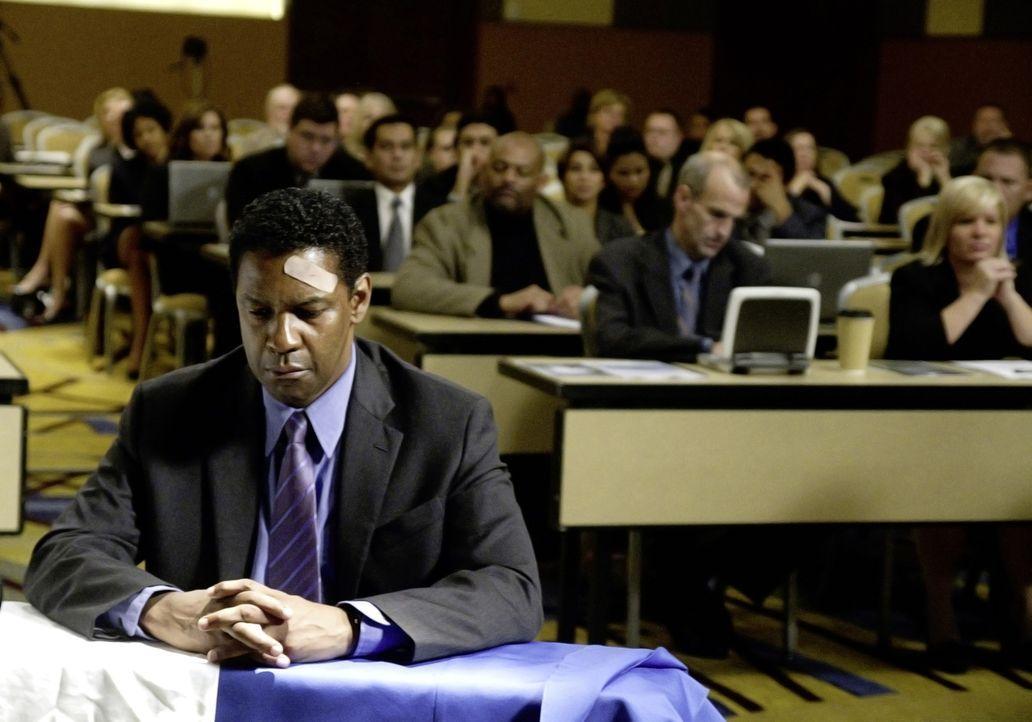 Wird das Gericht zu einem gerechten Urteil finden? Pilot Whip (Denzel Washington) bei seiner Anhörung ... - Bildquelle: Robert Zuckerman 2012 PARAMOUNT PICTURES. ALL RIGHTS RESERVED.
