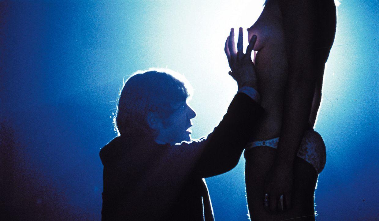 Der von Beethoven faszinierte Alex de Large (Malcolm McDowell, l.) und seine drei Drooks streunen allabendlich durch Londons Strassen, immer auf der... - Bildquelle: Warner Bros. Television