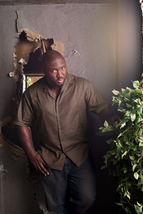 (2. Staffel) - Nimmt es mit der wildgewordenen Tierwelt auf: Abraham Kenyatta (Nonso Anozie) ... - Bildquelle: Timothy Kuratek 2016 CBS Broadcasting Inc. All Rights Reserved.