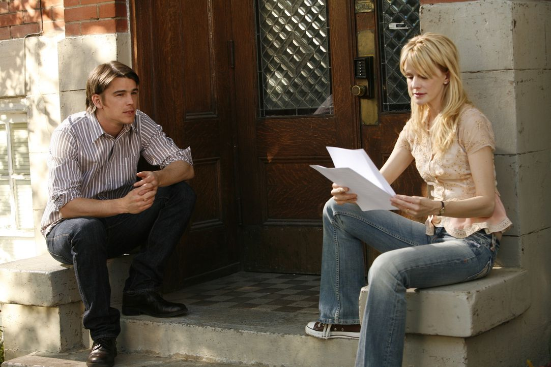 Erik Kernan Jr. (Josh Hartnett, l.) ist die Meinung seiner Exfrau Joyce Kernan (Kathryn Morris, r.) wichtig, doch auch sie ahnt nicht, was wirklich...