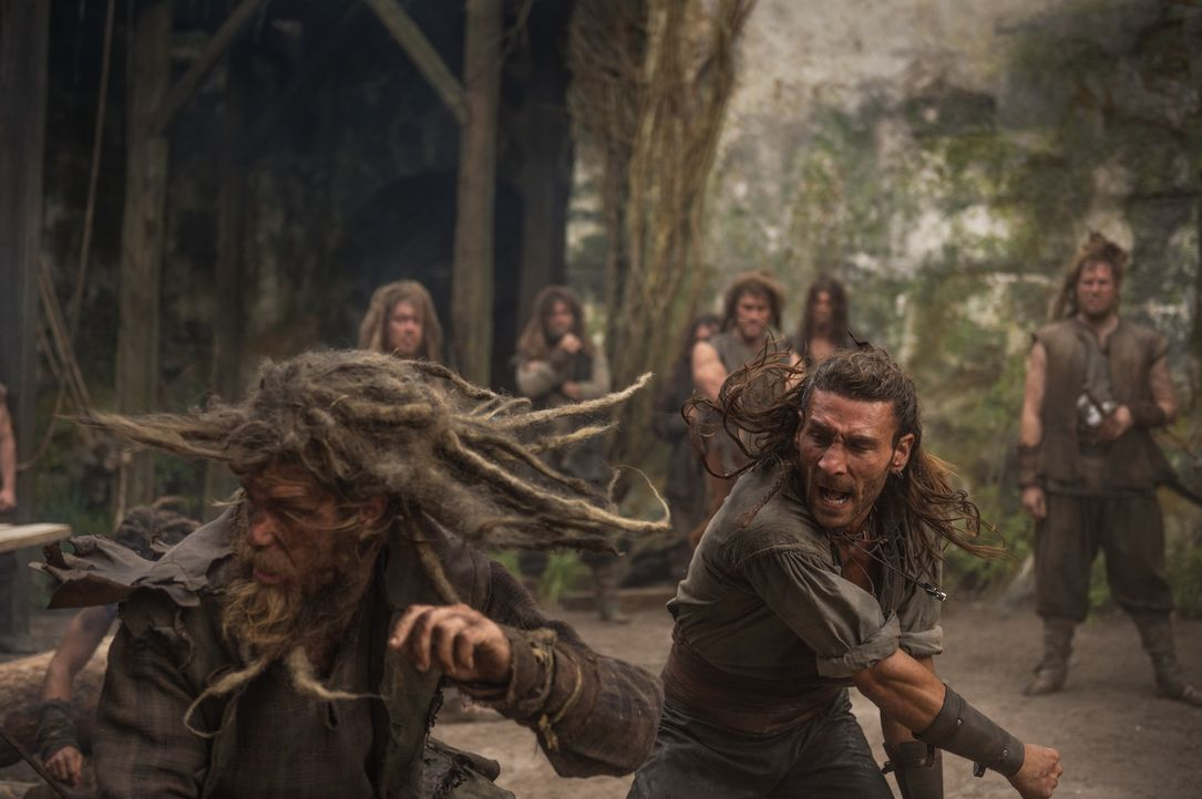 Vane (Zach McGowan, r.) sorgt sich um Eleanor - ein Grund mehr, endlich etwas gegen Ned Low zu unternehmen ... - Bildquelle: 2015 Starz Entertainment LLC, All rights reserved.