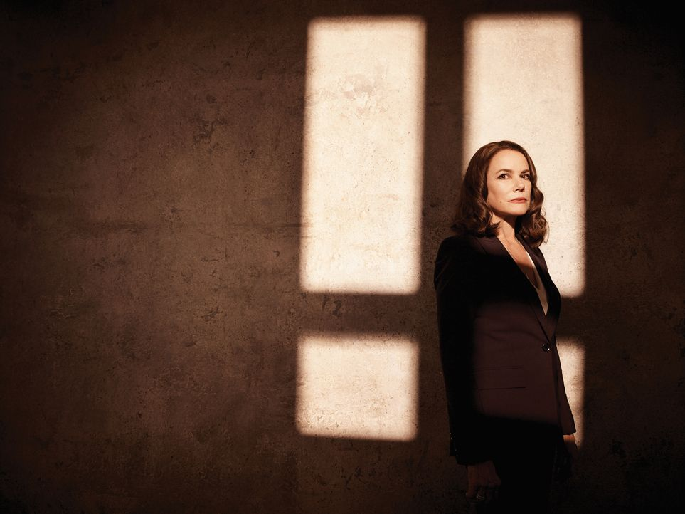 (1. Staffel) - Kennt Ann Rutledge (Barbara Hershey) wirklich alle Geheimnisse, die Damien seit seiner Geburt umgeben? - Bildquelle: 2016 A&E Television Network, LLC. All rights reserved.