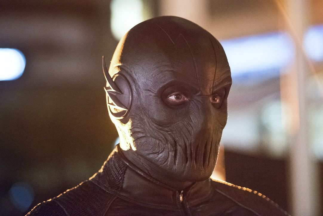 Wird Zoom (Tony Todd) auch dieses Mal sein Ziel erreichen und The Flash handlungsunfähig machen? - Bildquelle: 2015 Warner Brothers.