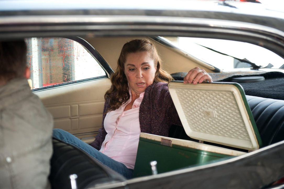Wird die Witwe eines ermordeten Sheriffs, Lily Markham (Sarah-Jane Redmon), Sam und Dean beim Lösen eines Falles helfen können oder wird sie selber... - Bildquelle: 2014 Warner Brothers