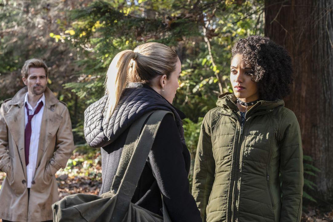 (v.l.n.r.) John Constantine (Matt Ryan); Sara Lance (Caity Lotz); Charlie (Maisie Richardson-Sellers) - Bildquelle: 2019 The CW Network, LLC. All rights reserved.