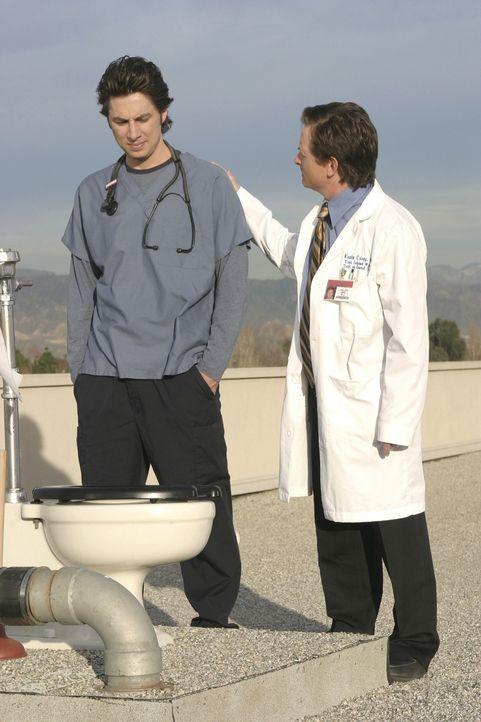 Nachdem J.D. (Zach Braff, l.) den geheimen Ort der Ruhe gefunden hat, interessiert sich Dr. Casey (Michael J. Fox, r.) nur noch für die Dach-Toilett... - Bildquelle: Touchstone Television