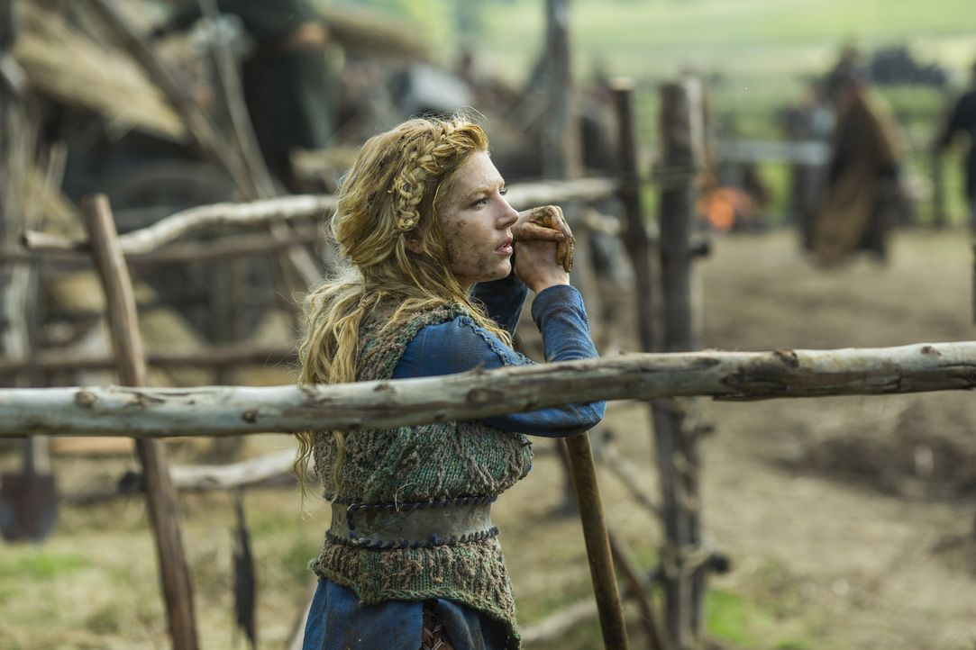 Während die Frauen in Kattegat mysteriöse Träume haben, versucht Lagertha (Katheryn Winnick) in England eine neue Wikingersiedlung aufzubauen ... - Bildquelle: 2015 TM PRODUCTIONS LIMITED / T5 VIKINGS III PRODUCTIONS INC. ALL RIGHTS RESERVED.
