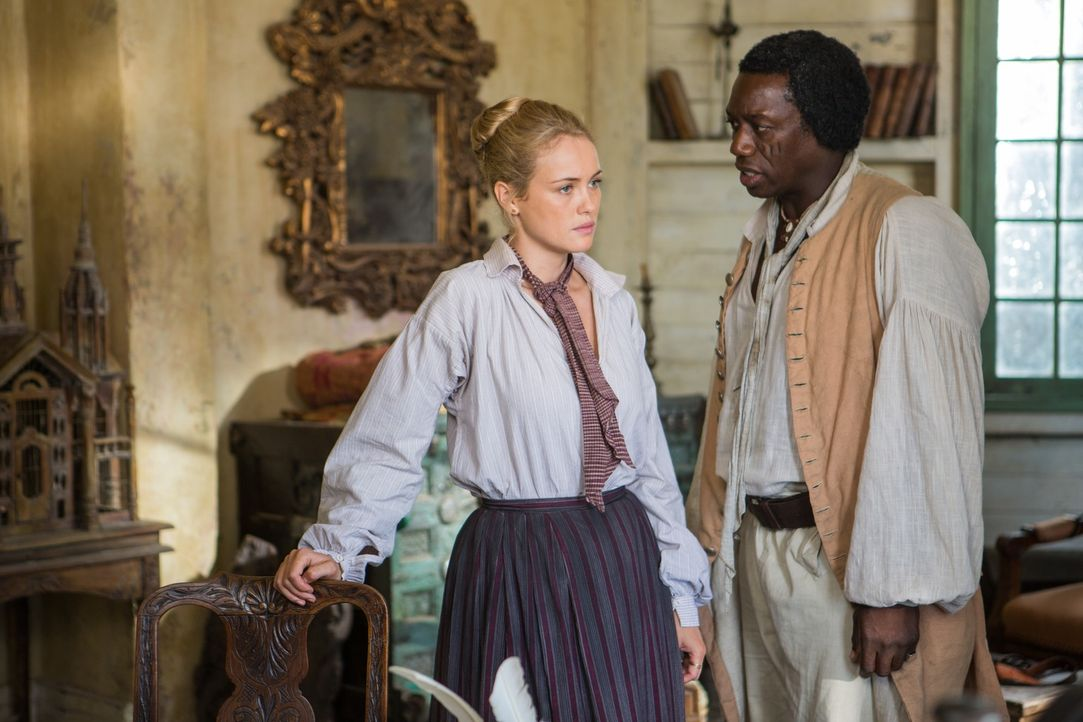 Eine Zusammenarbeit ist nur auf der Basis von gegenseitigem Vertrauen möglich, aber Eleanor (Hannah New, l.) und Mr. Scott (Hakeem Kae-Kazim, r.) hi... - Bildquelle: 2013 Starz Entertainment LLC, All rights reserved