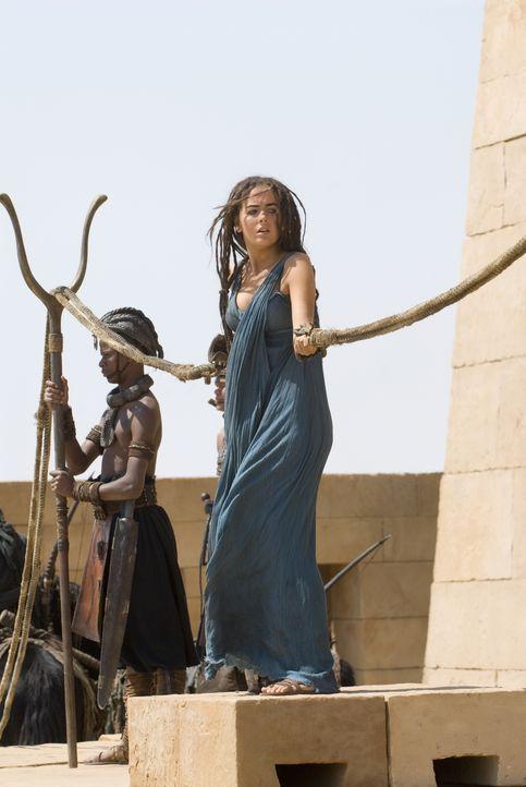 Während D'Leh auf der Jagd ist, wird die schöne Evolet (Camilla Belle) von brutalen Kriegern entführt, die sie in eine Welt bringen, die ihre Vorste... - Bildquelle: Warner Brothers