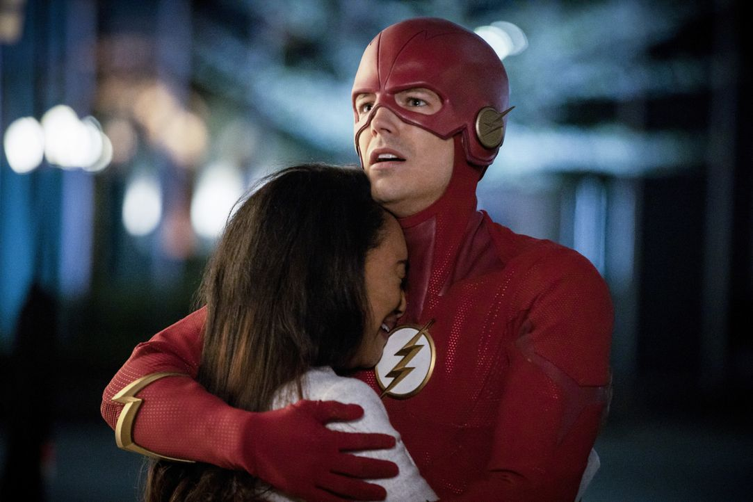 Iris (Candice Patton, l.); Barry alias The Flash (Grant Gustin, r.) - Bildquelle: Jack Rowand 2019 The CW Network, LLC. All rights reserved. / Jack Rowand