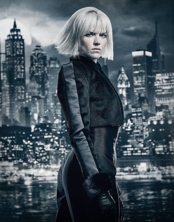 (4. Staffel) - Barbara (Erin Richards) kehrt nach Gotham zurück und wirbelt den Untergrund gewaltig auf ... - Bildquelle: 2017 Warner Bros.