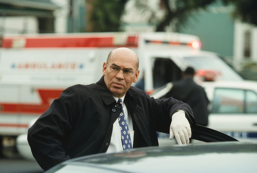 In Pittsburgh werden 20 Mitglieder einer Sekte und zwei Agenten des FBI ermordet aufgefunden. Skinner (Mitch Pileggi) und sein Team stehen vor einem... - Bildquelle: TM +   Twentieth Century Fox Film Corporation. All Rights Reserved.