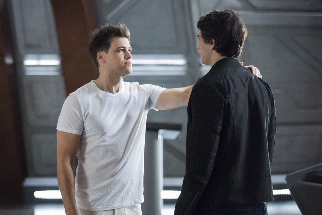 Nate Heywood (Nick Zano, l.); Ray Palmer (Brandon Routh, r.) - Bildquelle: 2019 The CW Network, LLC. All rights reserved.