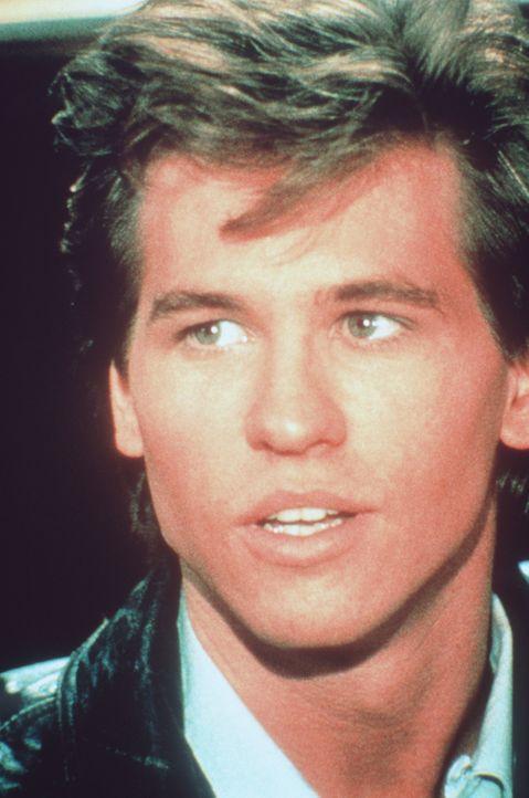 Der amerikanische Rockstar Nick Rivers (Val Kilmer) lässt die Herzen der jungen Frauen in der DDR höher schlagen ... - Bildquelle: Paramount Pictures
