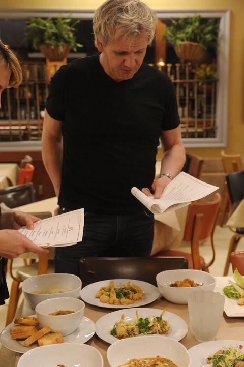 Gordon Ramsay weiß: Zu einem typischen Südstaatenrestaurant gehört auch das passende Essen ... - Bildquelle: Jeffrey Neira Fox Broadcasting.  All rights reserved.