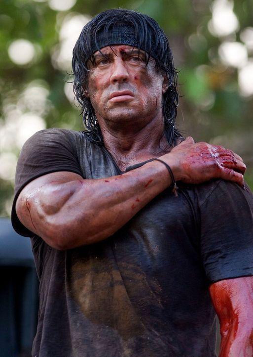 Durchlebt die Hölle auf Erden: Rambo (Sylvester Stallone) ... - Bildquelle: Karen Ballard Nu Image Films