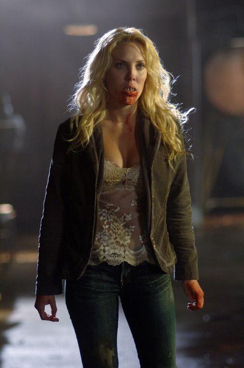 Hat keine Ahnung, wie sie zu einem Vampir wurde: Lucy (Mercedes McNab) ... - Bildquelle: Warner Bros. Television