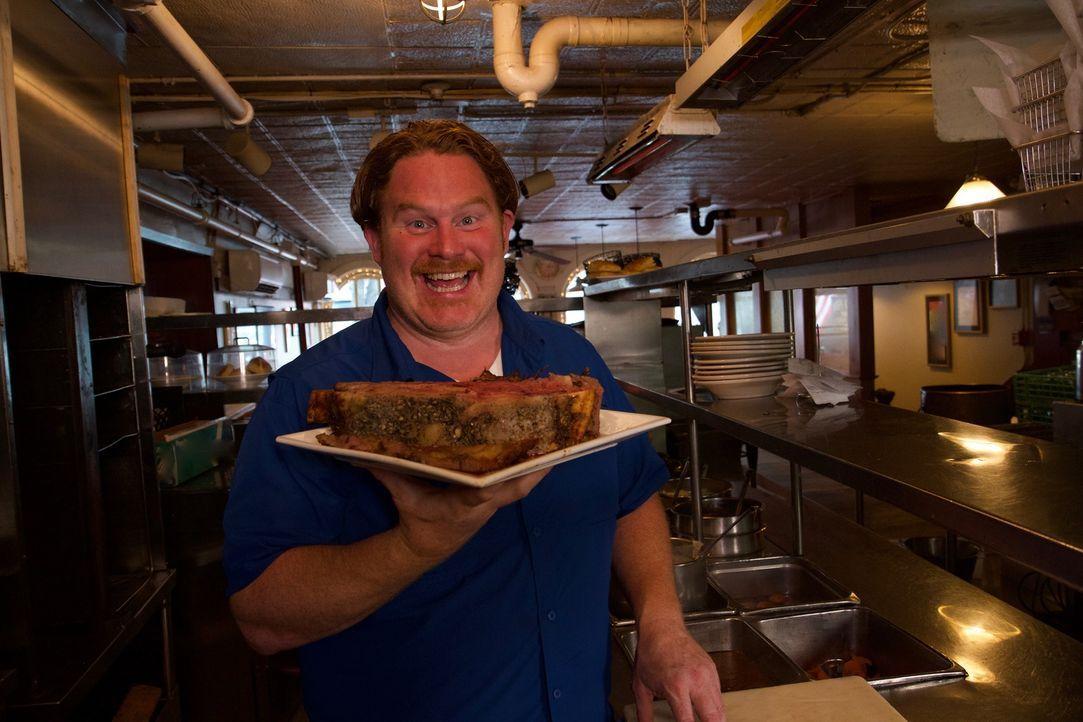 """Dieses Steak hat es in sich: Casey Webb ist begeistert vom berühmten """"Prime Rib"""" im """"Durgin Park's"""" in Boston ... - Bildquelle: 2017,The Travel Channel, L.L.C. All Rights Reserved."""